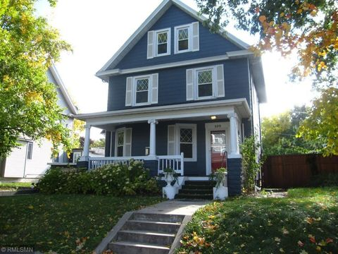 Photo Of 109 W 36th St, Minneapolis, MN 55408. House For Sale