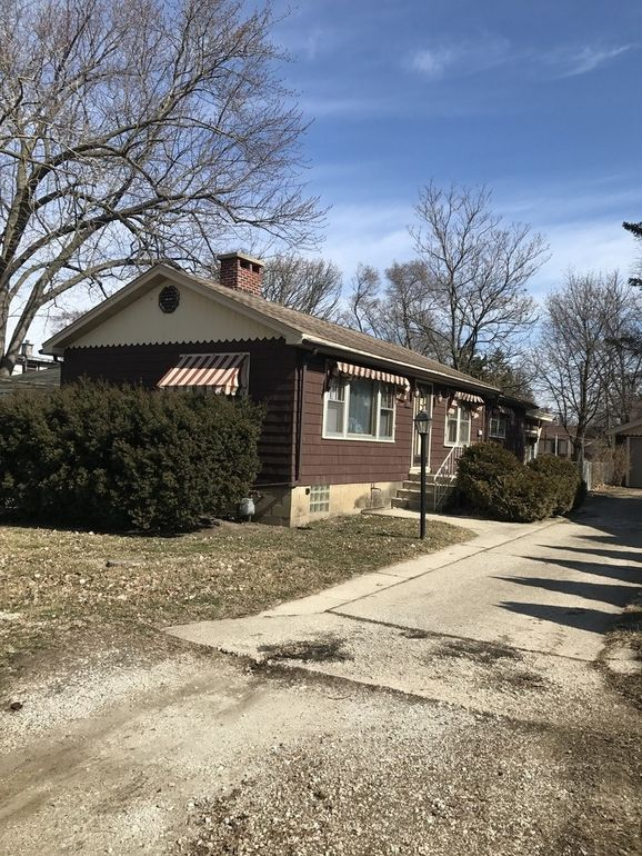 106 Spring St, Willow Springs, IL 60480