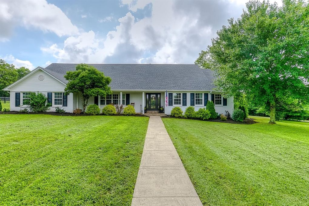 1378 Beaumont Rd, Nicholasville, KY 40356