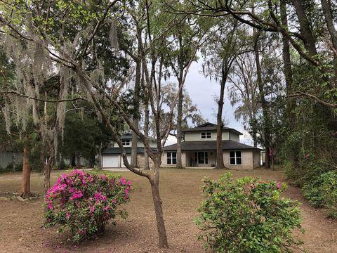Photo of 517 Lake Dr, Midway, GA 31320