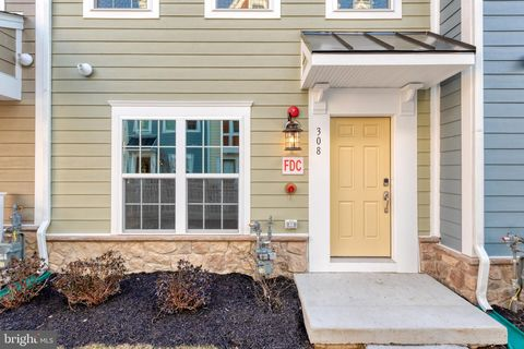 Photo of 310 Davage Ln, Towson, MD 21286