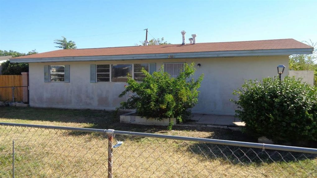 2907 E Fruitland Dr Roswell, NM 88201