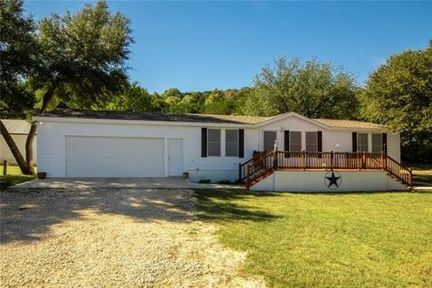 Photo of 1221 County Road 1190, Kopperl, TX 76652