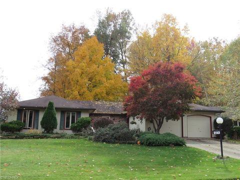 5874 Hickory Trl, North Ridgeville, OH 44039