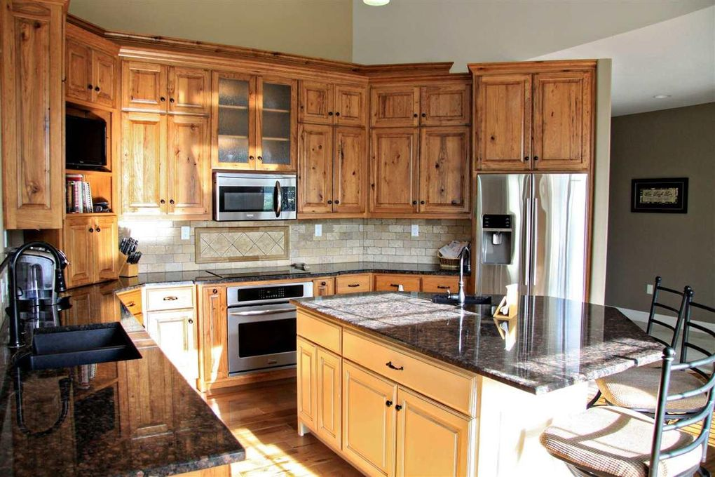 meet wamego singles 1407 julie dr, wamego, ks is a  save searches of properties that meet your investment criteria and have the properties you're looking for  single-family home.