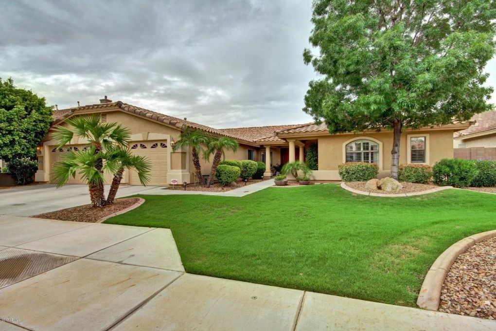 13533 W Medlock Dr, Litchfield Park, AZ 85340