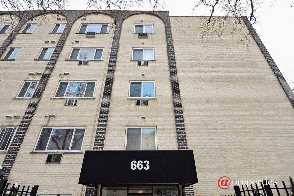 Elegant 663 W Grace St Apt 503, Chicago, IL 60613