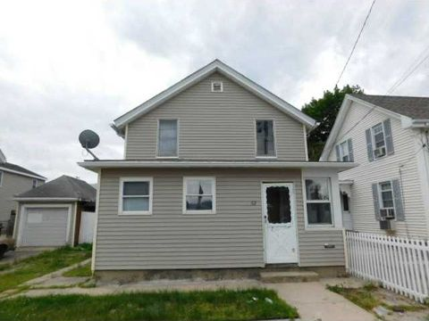 82 Perry St, Central Falls, RI 02863