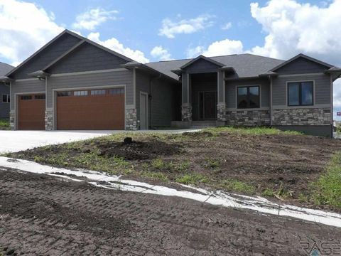 Photo of 917 N Freedom Cir, Brandon, SD 57005