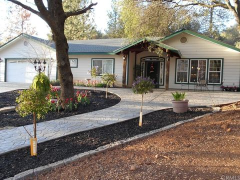 5240 Crystal Aire Dr, Mariposa, CA 95338