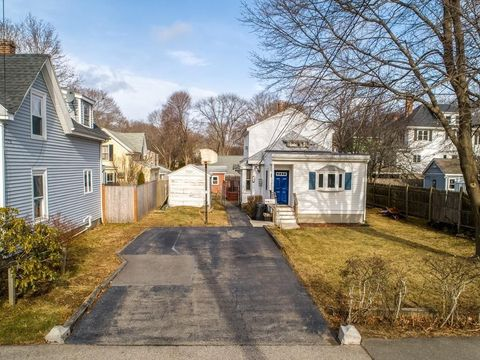 62 Bisson St, Beverly, MA 01915