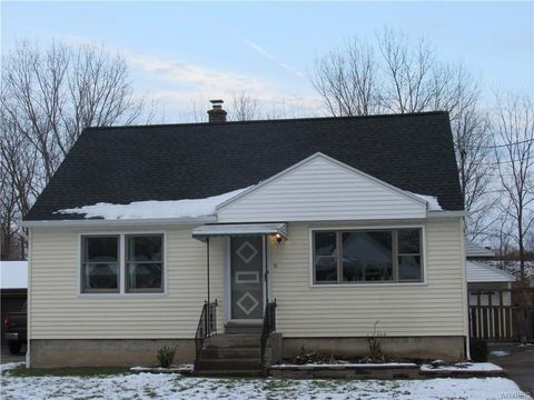 71 N Covington Dr, West Seneca, NY 14220