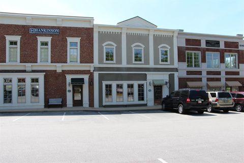 Photo of 1041 Parkside Cmns, Greensboro, GA 30642