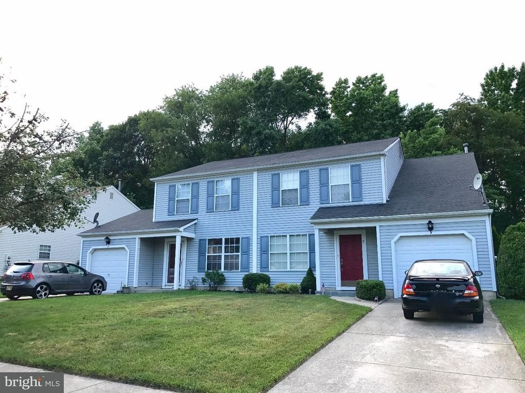 5 Woodmill Dr Gloucester Township, NJ 08021