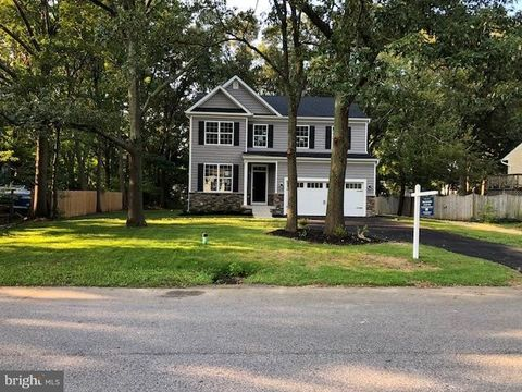 439 Manor Rd, Arnold, MD 21012