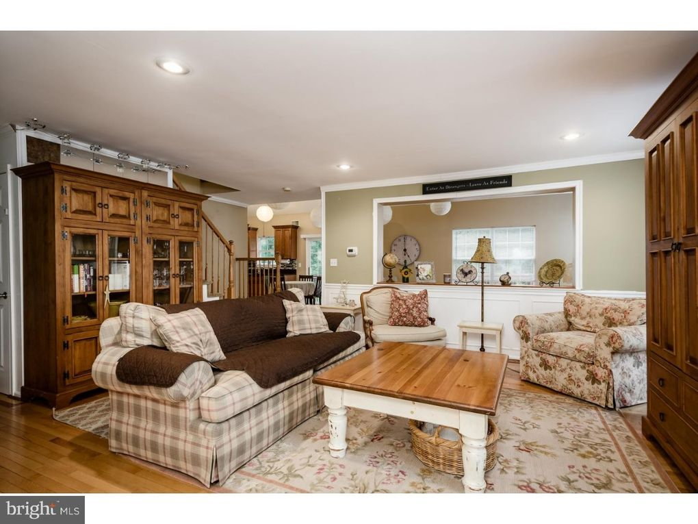 60 Canal View Dr, Lawrence Township, NJ 08648