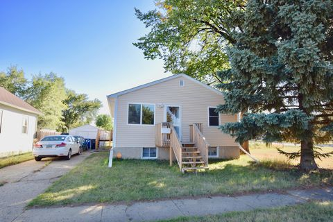 335 1st St Sw, Dickinson, ND 58601