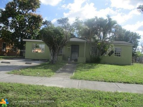 Photo of 16051 Nw 17th Pl, Miami Gardens, FL 33054