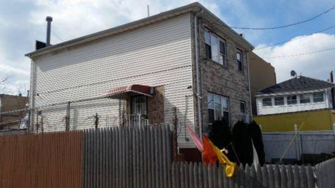 Photo of 2609 Seagirt Ave, Far Rockaway, NY 11691