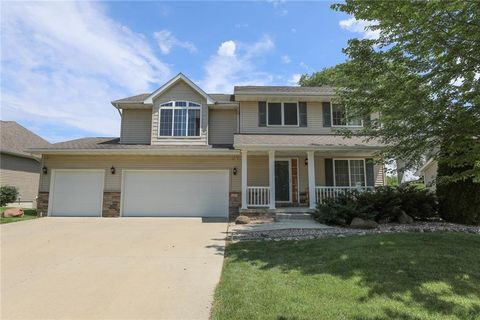 Photo of 3607 Brook Run Dr, Des Moines, IA 50317