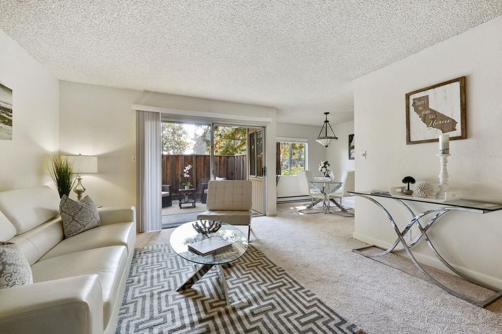 Charming 505 Cypress Point Dr Unit 85, Mountain View, CA 94043