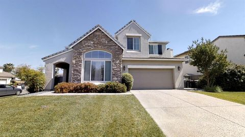 Photo of 5524 Prairie Dawn Way, Elk Grove, CA 95757
