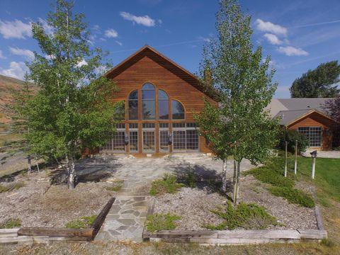 1068 Horse Creek Rd, Dubois, WY 82513