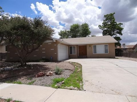 Photo of 6820 Welton Dr Ne, Albuquerque, NM 87109