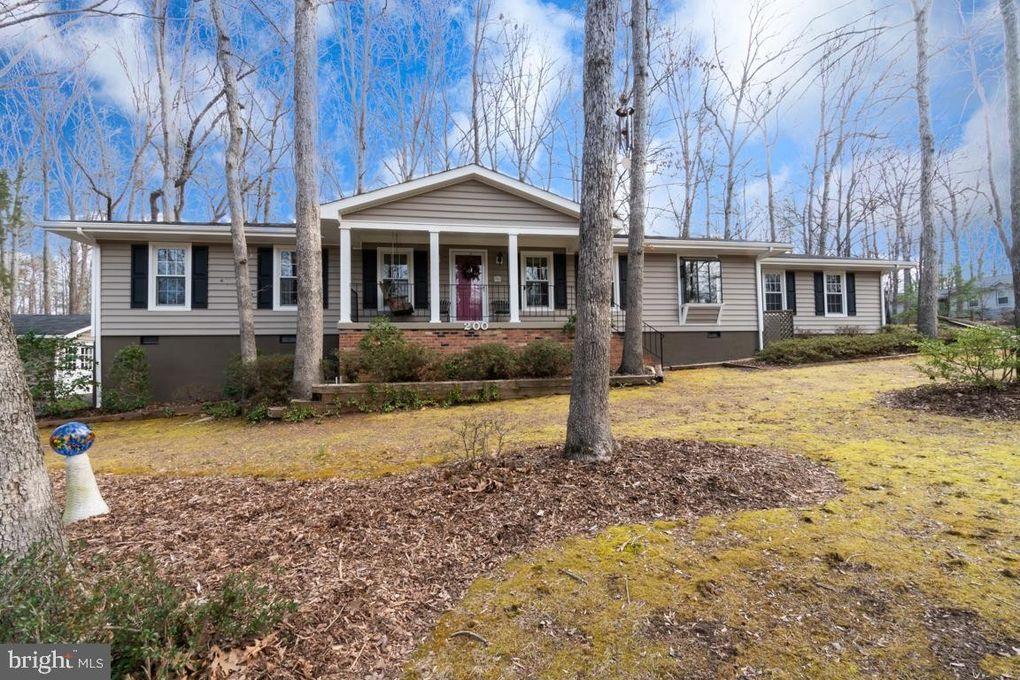 200 Happy Creek Rd, Locust Grove, VA 22508