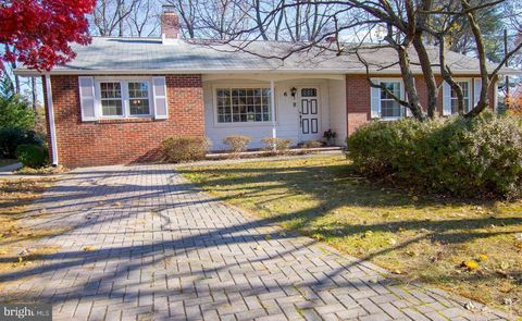 Photo of 6 Spring Haven Ct, Severna Park, MD 21146