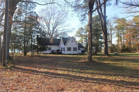 Photo of 1279 Lillys Neck Rd, Moon, VA 23119