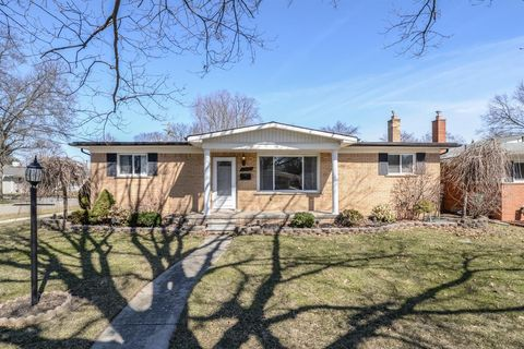 Photo of 33182 Martin St, Livonia, MI 48154
