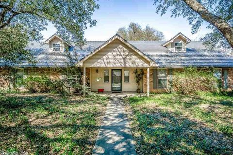 Photo of 23 Covewood Dr, Conway, AR 72034