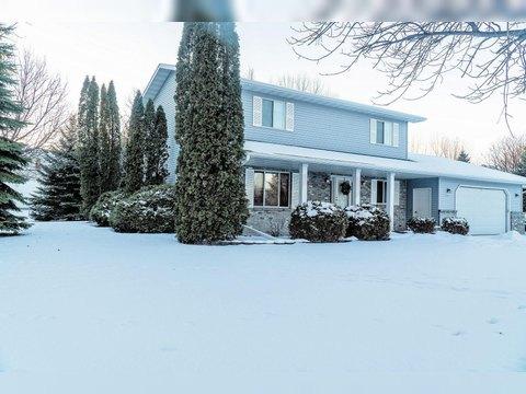 908 Bygland Rd Se, East Grand Forks, MN 56721. House For Sale