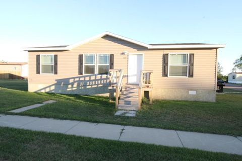 1023 Sw 10th Ave, Aberdeen, SD 57401