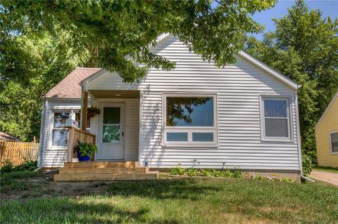 Des Moines, IA 4-Bedroom Homes for Sale - realtor.com®