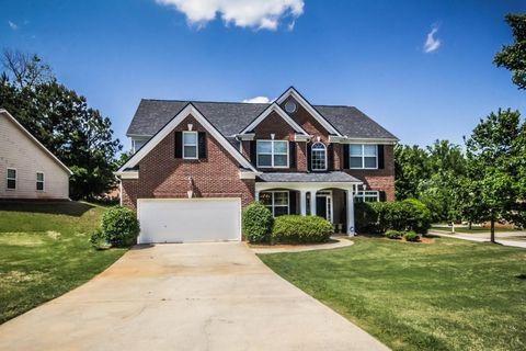 Incredible Mcdonough Ga Houses For Sale With Swimming Pool Realtor Com Home Interior And Landscaping Eliaenasavecom