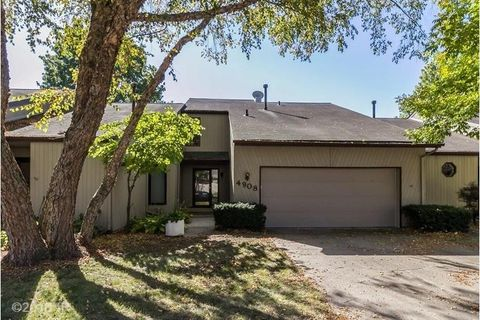 West Des Moines Ia Houses For Sale With Swimming Pool