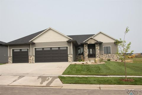 Photo of 109 N Harvest Hill Cir, Sioux Falls, SD 57110