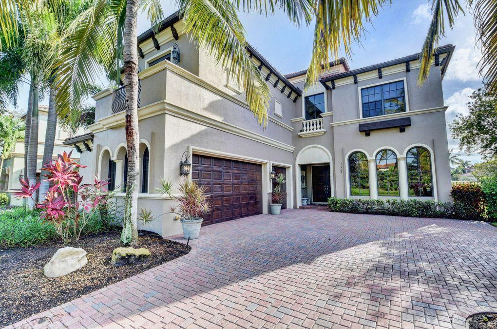 17768 Villa Club Way, Boca Raton, FL 33496
