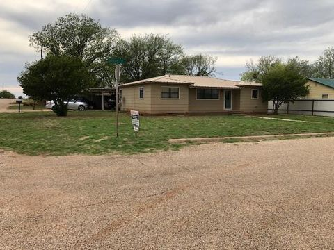 Photo of 115 Ammons St, Roby, TX 79543