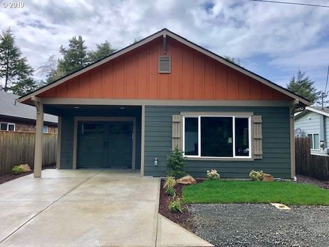 Photo of 335 Se Reef Ave, Lincoln City, OR 97367