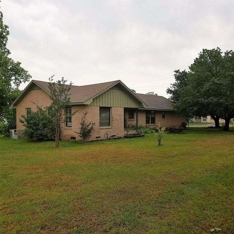 Photo of 402 E Broad St, Linden, TX 75563