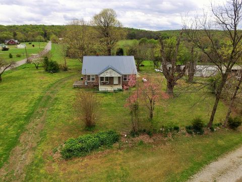 Photo of 1034 Buncombe Rd, Belvidere, TN 37306