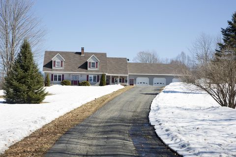 Photo of 33 Eaton Rd, Exeter, ME 04435