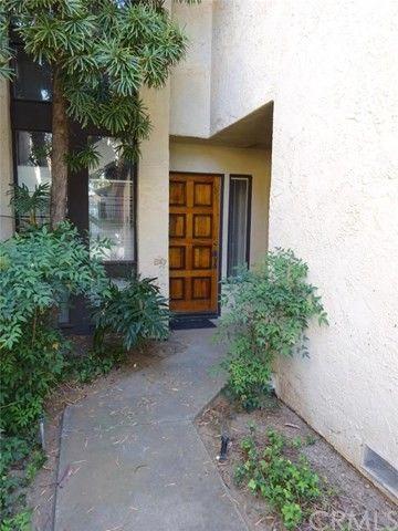 422 Elsmere Dr, Riverside, CA 92506