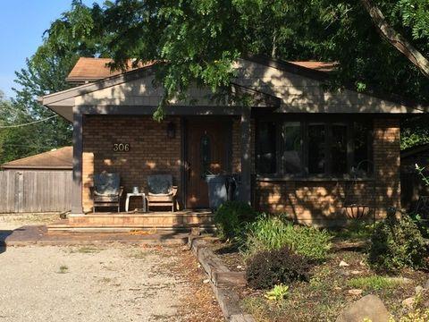 306 Oakwood Dr, Antioch, IL 60002