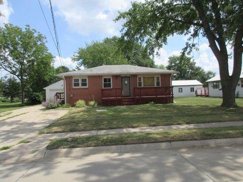 Photo of 120 Logan St, Beatrice, NE 68310