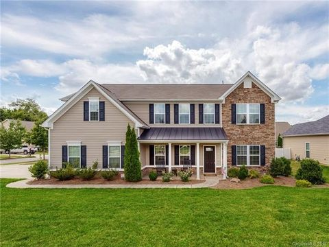 2652 New Haven St Nw, Concord, NC 28027