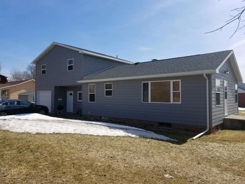 Photo of 423 Fulton Ave, Gregory, SD 57533